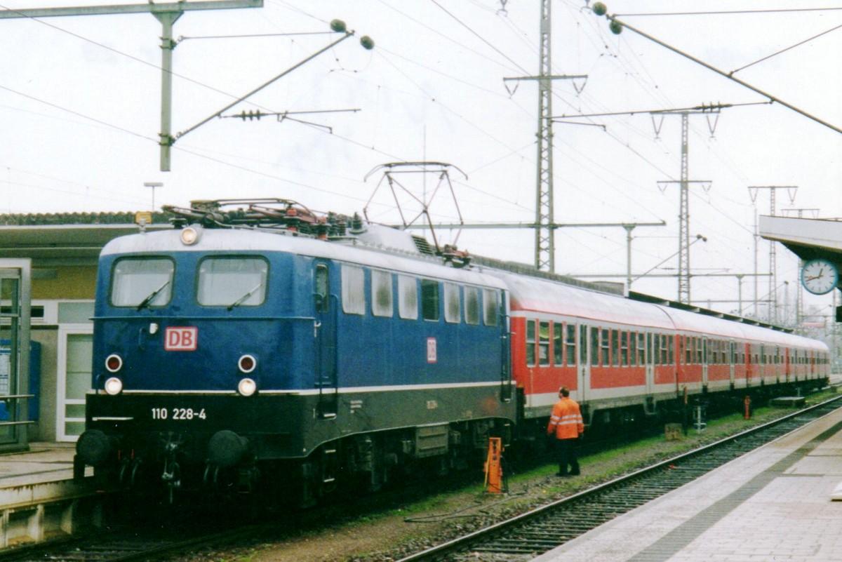 Blaue 24