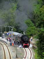 eisenbahnfreunde-zollernbahn/345184/52-7596-steht-abfahrbereit-am-bahnsteig 52 7596 steht abfahrbereit am Bahnsteig in Alsenz.Sie fuhr am Tag.4 des Dampfspektakels zwischen Hochspeyer und Bad Kreuznach.Aufgenommen am Sa,31.Mai.2014